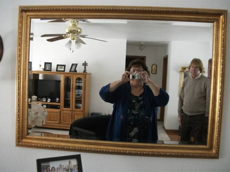 26 hilarious ways people have tried to sell mirrors for Photographs for sale online